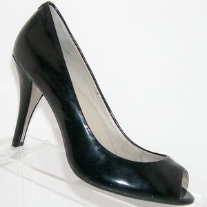 Kenneth Cole Peepin black patent leather heel 7.5M
